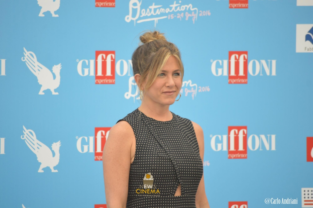 Jennifer Aniston photocall Giffoni