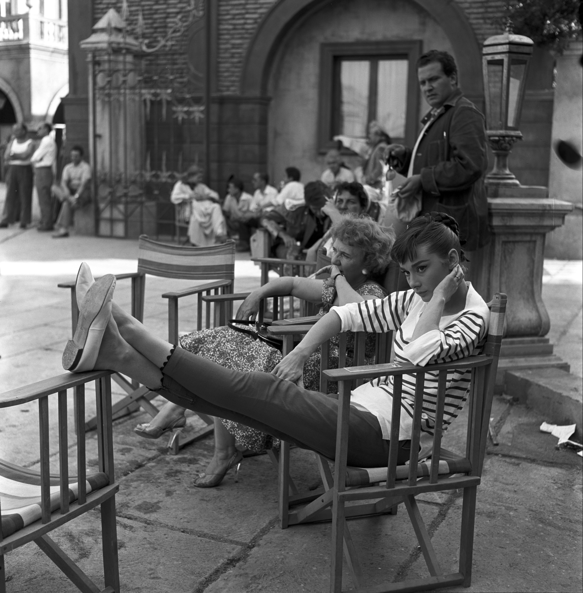 1927-23-HEPBURN-AUDREY-FILM-GUERRA-E-PACE-1955