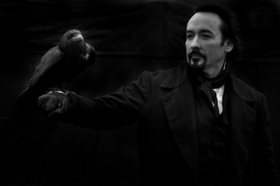 The-Raven-John-Cusack-Foto-dal-Film-01