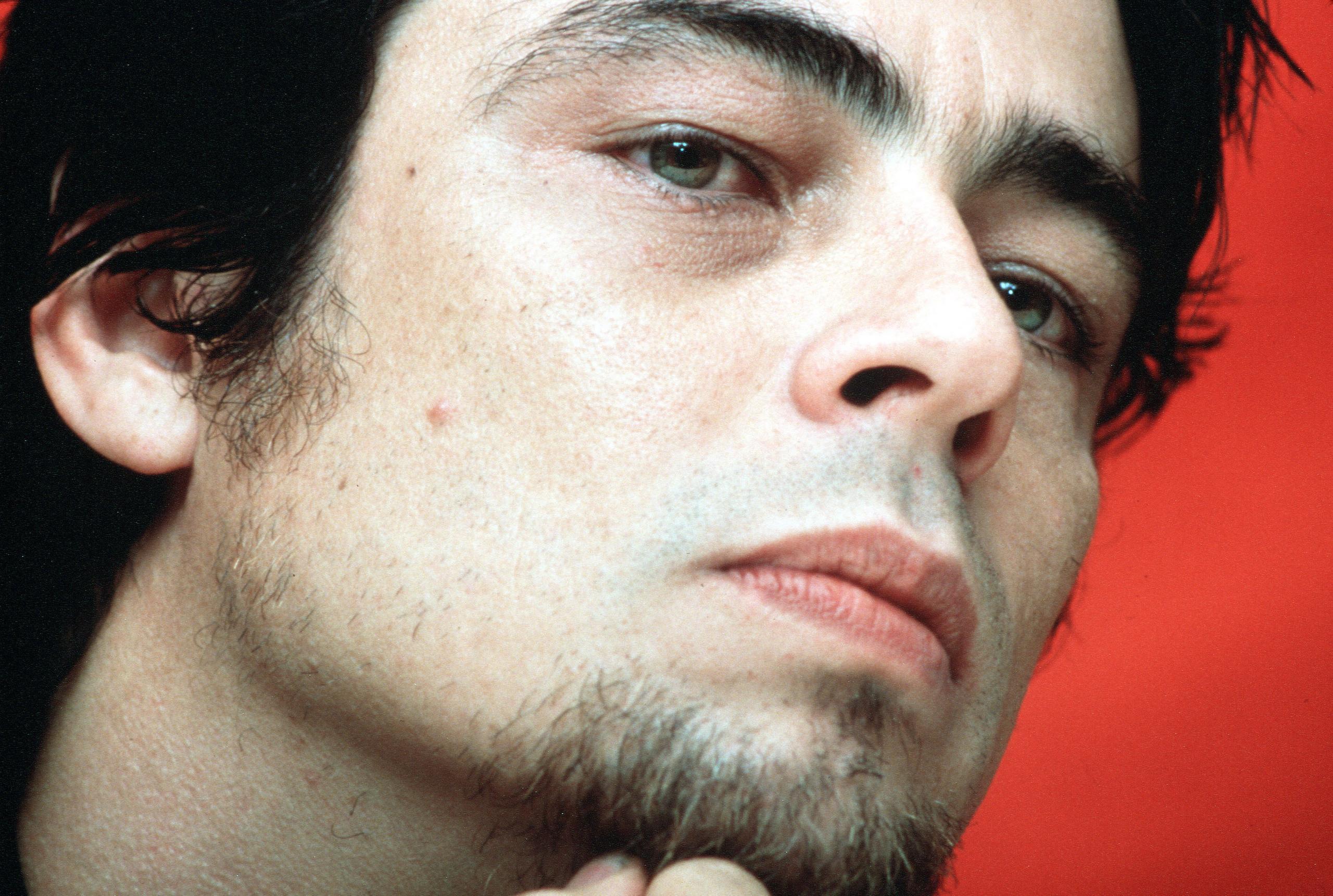 Benicio-benicio-del-toro-7038503-2560-1721