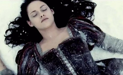 snow-white-and-the-huntsman-trailer-kristen-stewart