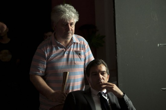 almodovar-and-banderas-550x365