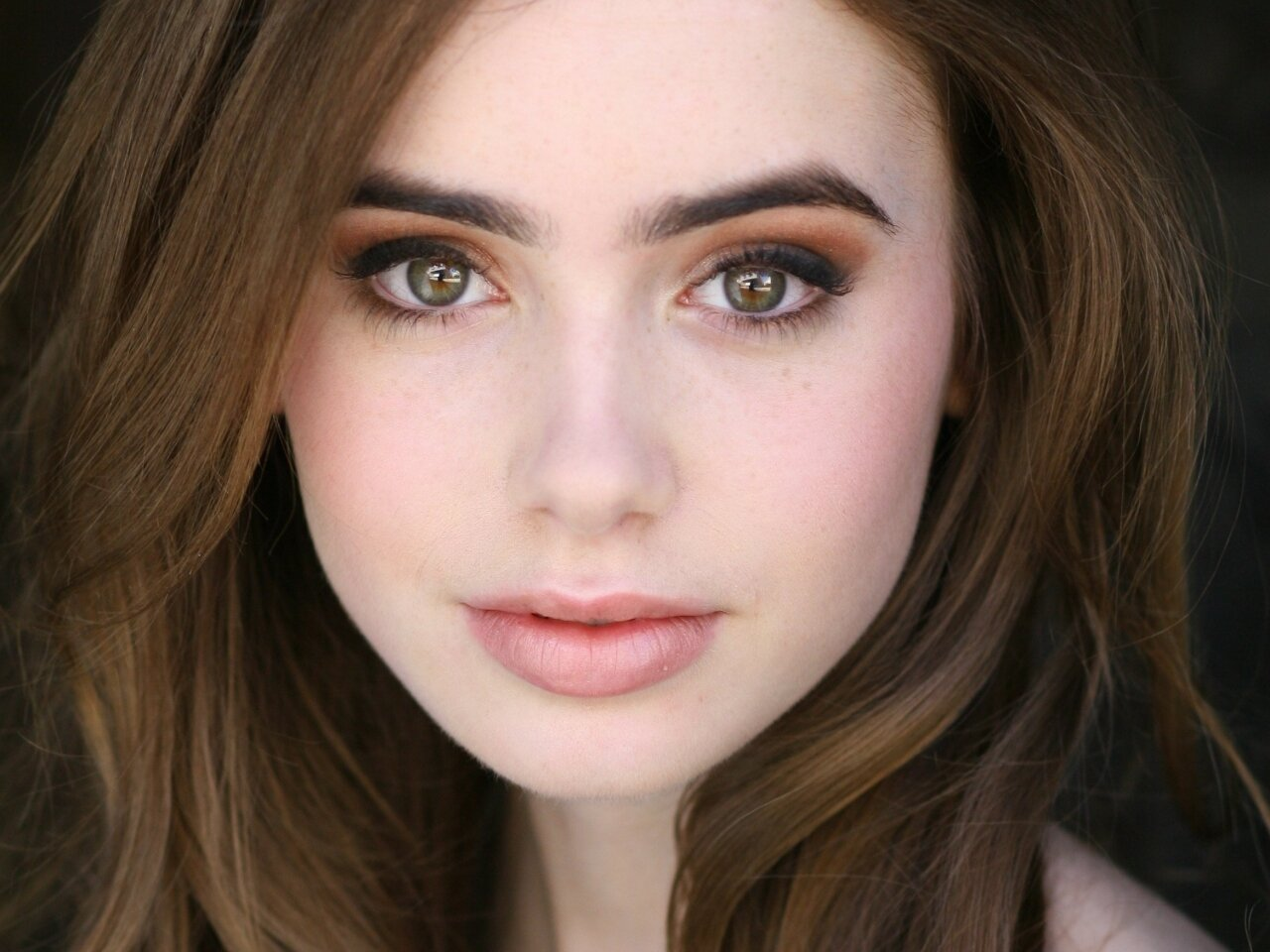 Lily-Collins-0061