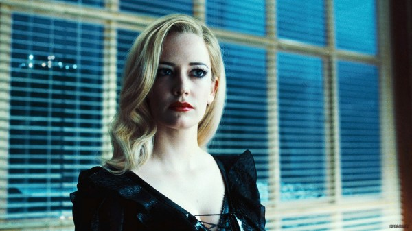 eva-green-dark-shadows-movie-image-4-600x337