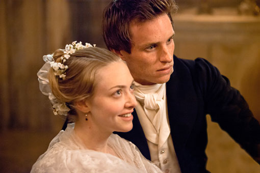 les-miserables-amanda-louise-seyfried-eddie-redmayne-foto-dal-film-01