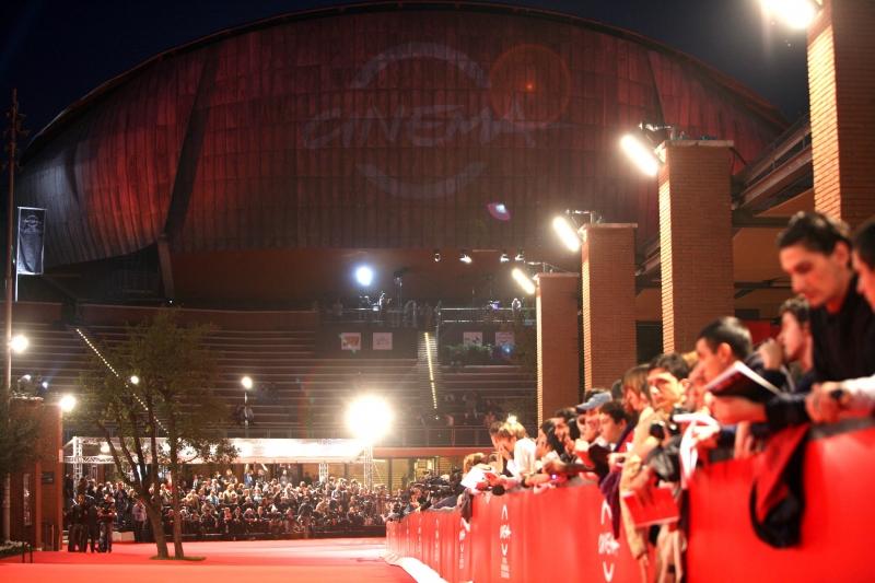 festival-del-film-di-roma-2008-un-immagine-del-red-carpet-937291