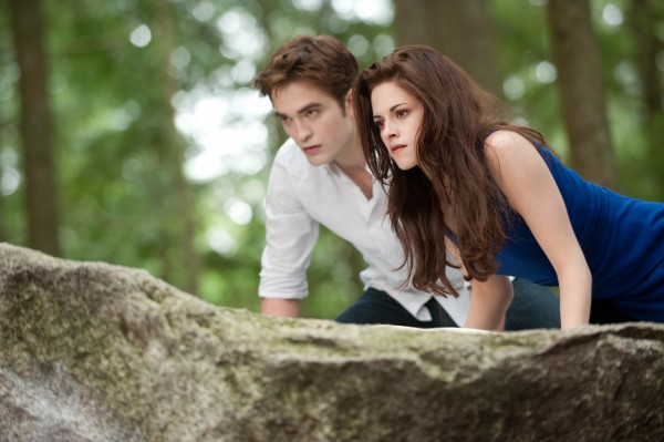 1-the-twilight-saga-breaking-dawn-parte-2-robert-pattinson-kristen-stewart-foto-da-film