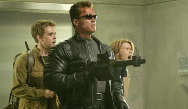 Ci sono voluti 12 anni per un secondo sequel di Terminator. James Cameron e Linda Hamilton hanno rifiutato di tornare, mentre Jonathan Mostow è entrato nel progetto come regista e Sarah Connor si è scoperta morta pochi anni dopo gli eventi di Terminator 2. Schwarzenegger, ancora una volta ha ripreso il suo ruolo di T-800 mandato per proteggere John Connor, dopo che lo ha ucciso con successo nel futuro! Questa volta, ci fu un nuovo modello di Terminator che inseguiva Connor e uccideva gli uomini e le donne che cercavano di diventare leader del suo movimento di resistenza contro Skynet.