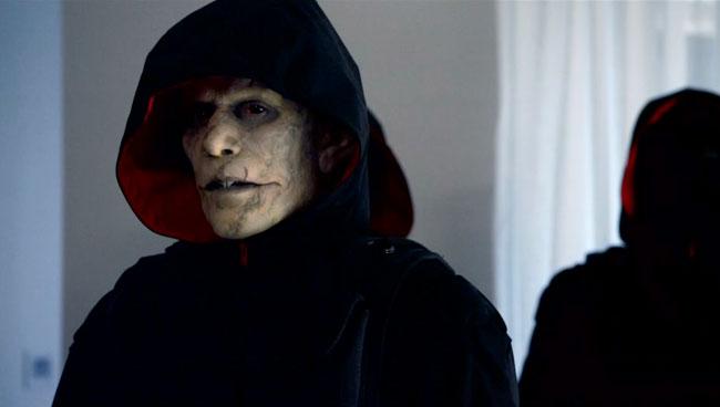 The-Strain-introduces-Quinlan-the-Vampire-Vampire-Hunter1