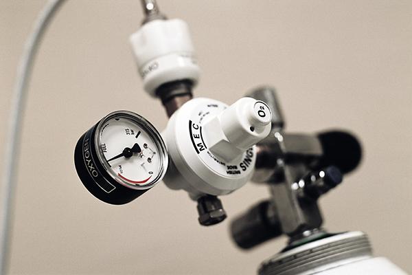 Oxygen pressure gauge