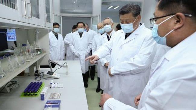 xi jinping in visita ad un centro di ricerca